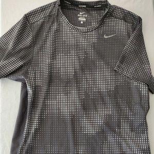 Nike dri-fit Polyester tee. Nike running. Sz L.